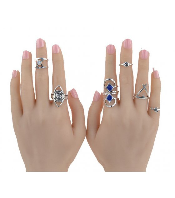 R358 - Silver Ring Set