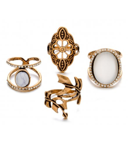 R428 - Vintage ring carved diamond leaf Ring