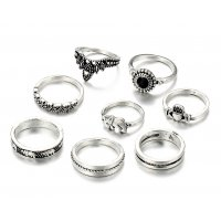 R465 - Retro carved crown Ring Set