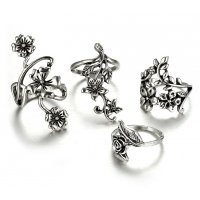 R477 - Ancient silver leaves flower ring