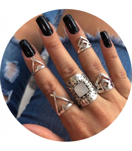 R494 - Boho retro leaf triangle 5-piece ring