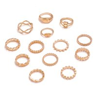R518 - Knotted geometric leaf triangle Ring Set