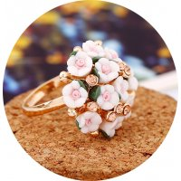 R543 - Korean Flower Diamond Ring
