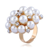 R546 - Adjustable pearl ring