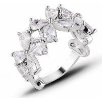 R583 - Fashion flower zircon ring