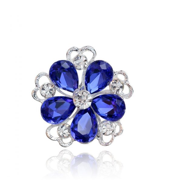 SB063 - Small Pedal Luxury Brooch