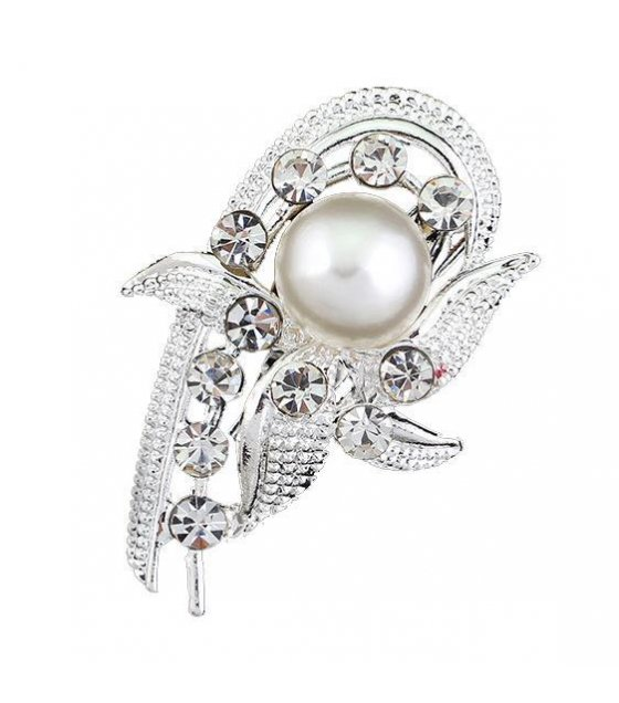 SB080 - Crystal White Diamond brooch