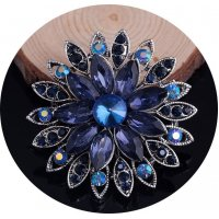 SB097 - Gemstone Floral Brooch