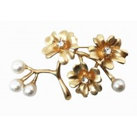 SB132 - Plum flower brooch