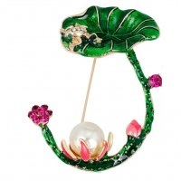 SB197 - Wild lotus brooch