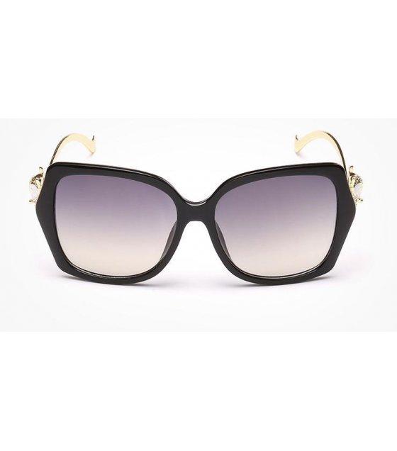 SG119 - European  fashion Black sunglasses