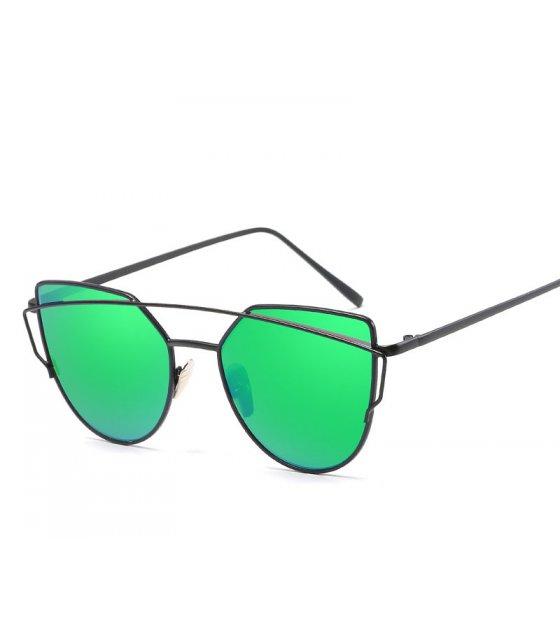 SG379 - Ladies Cat Frame Sun Glass