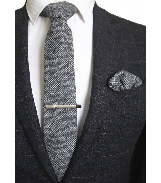 T041 - Wool Men's tie