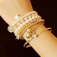 B089 - Pearl Eiffel Tower Bracelet